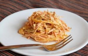 Porgandi-kanasalat paprikaga