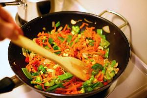 Koogivilja wok kanaga