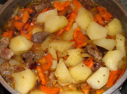 Hautatud kartulid lihaga